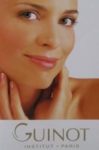 Schoonheidssalon Nienke werkt uitsluitend met producten van Giunot. Meer dan 10.000 Guinot schoonheidsintsituten met ervaren schoonheidsspecialisten stellen zich overal ter wereld in dienst van de schoonheid. Samen met de onderzoekers van Guinot beschikken zij over de capaciteiten en ervaring om het welzijn van uw huid te vergroten en haar elke dag mooier te maken